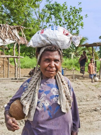 Woman carrying Betel Nut
