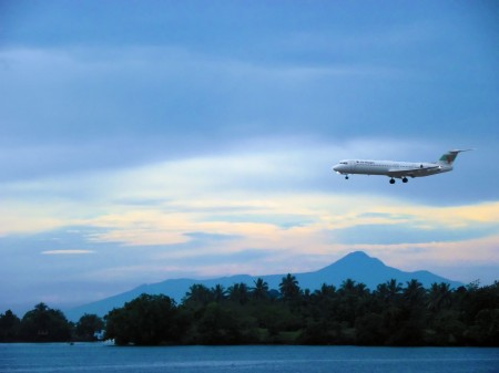 The morning Air Niugini Flight coming in over Kar Kar Island