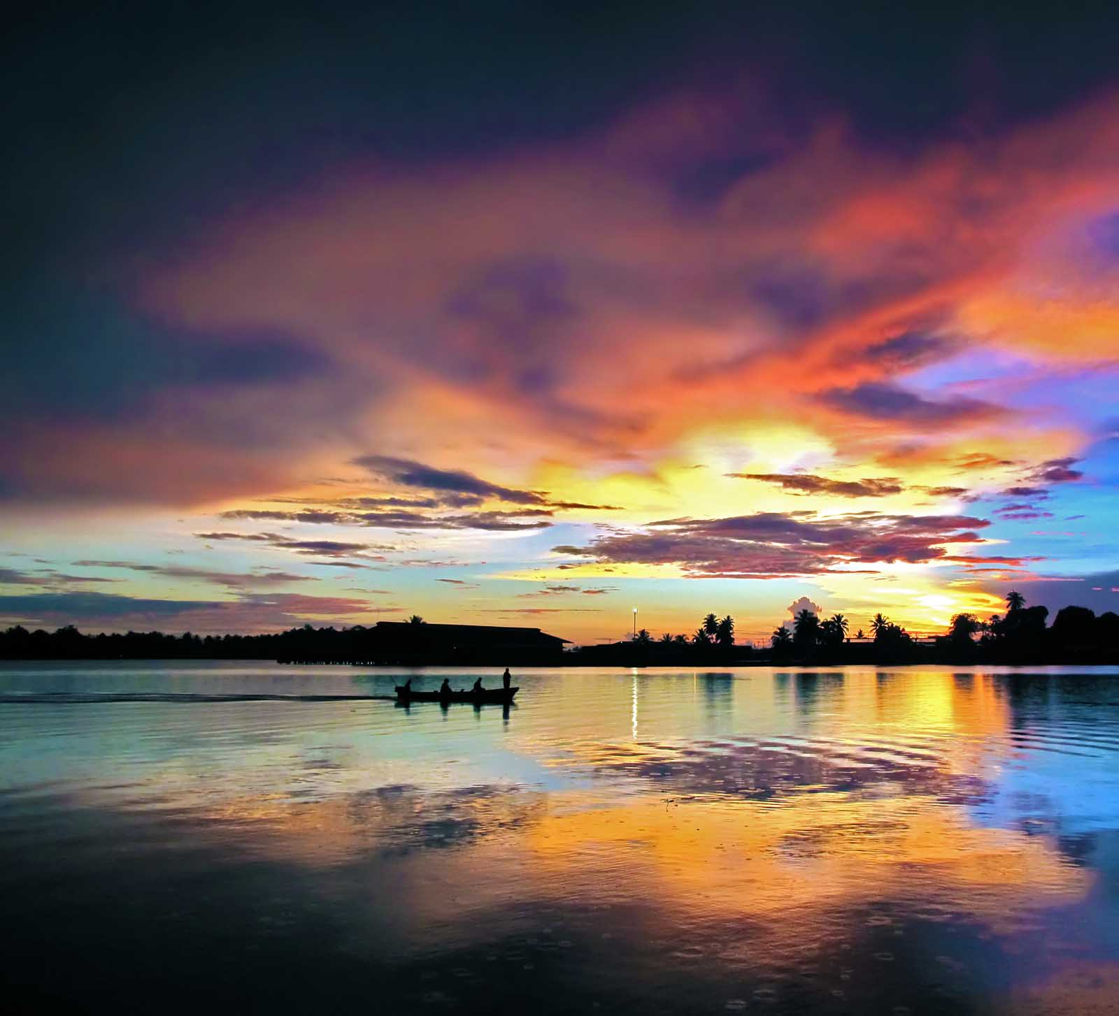 Sunrise Madness  Madang  Ples Bilong Mi